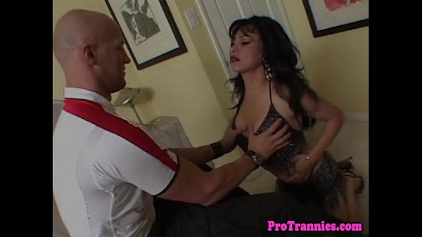 Amateur shemale fucks with her lover