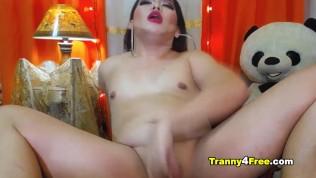 Rhierhie huge cock on cam